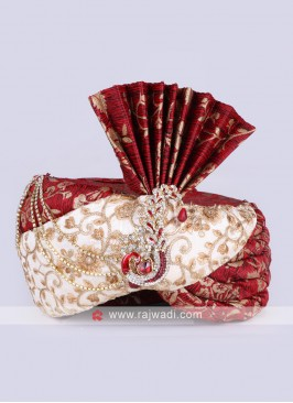 Red and off-white wedding safa