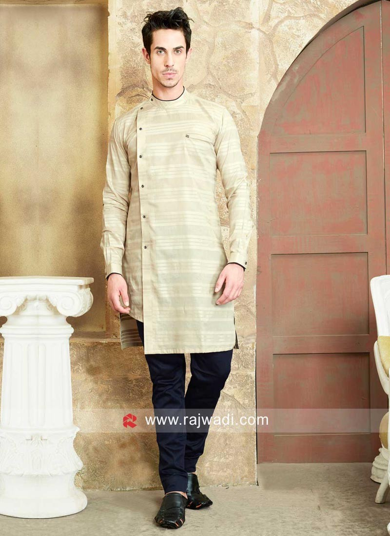 Round Neck Kurta Pajama For Party