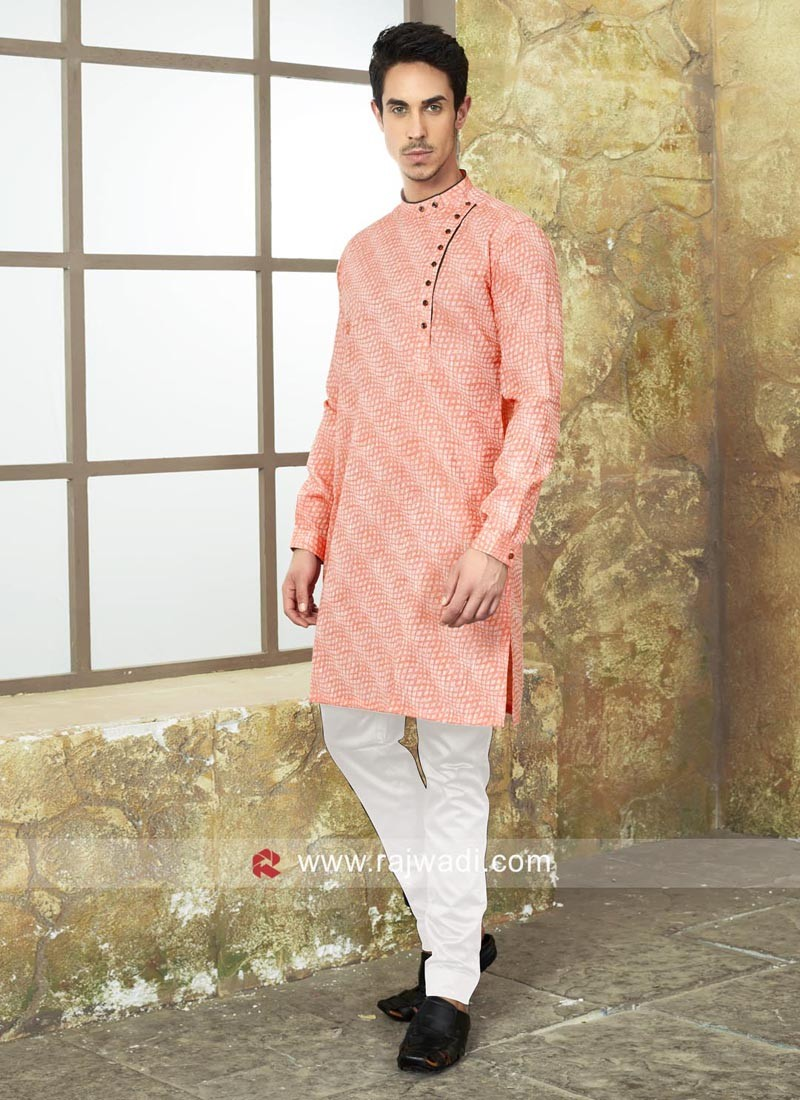 Light Pink Kurta Set With Side Buttons