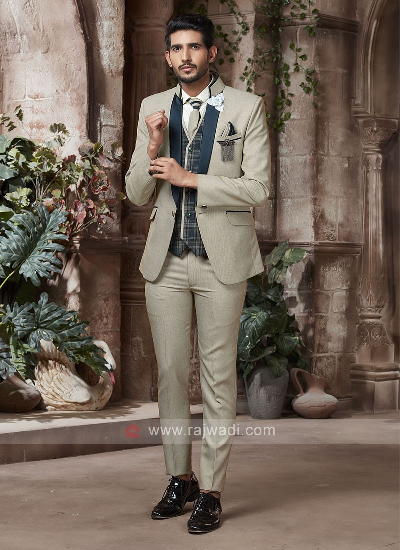 Amazing dark beige color suit