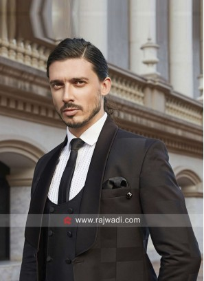 Attractive Black Color Suit For Party