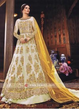 Attractive Crepe Silk Fabric Salwar Kameez