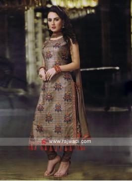 Attractive Crepe silk Salwar Kameez
