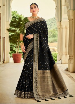 Attractive Look Banarasi Saree