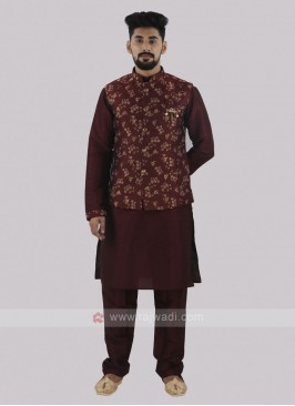 Attractive Maroon Koti set
