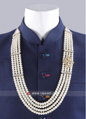 Attractive Pearl Mala In Off White