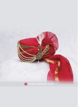 Attractive Red and Golden Safa