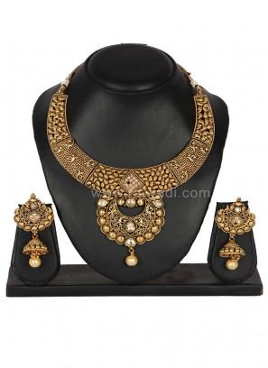 Beauteous Golden coloured Necklace Set