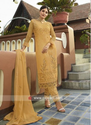 Beautiful Kritika Kamra in Yellow Trouser Suit