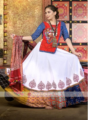 Beautiful kutchi work garba chaniya choli