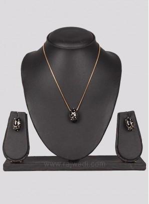 Black Penadant in Golden Chain with Earrings