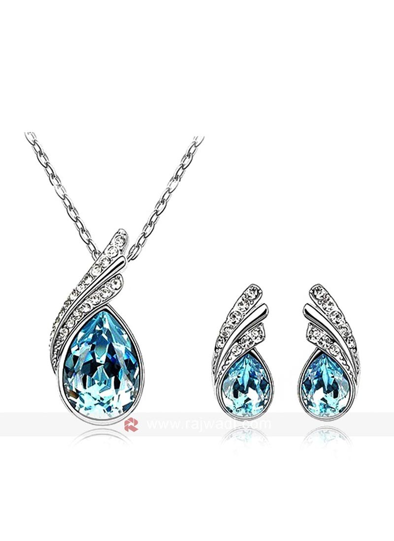 Blue Austrian Crystal Pendant Set