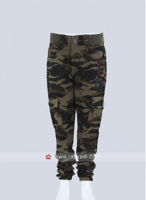 Boys Olive Green & Black Regular Fit Printed Regular Trousers