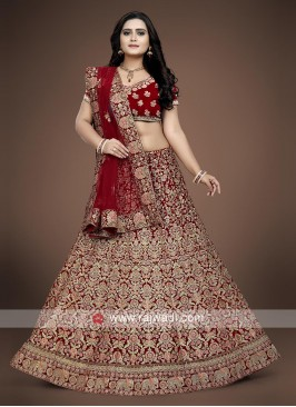 Bridal Wedding Lehenga Choli in Red.