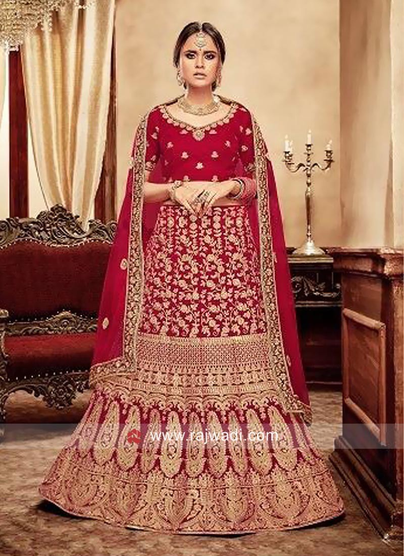 Bridal Wedding Velvet Lehenga Set in Red