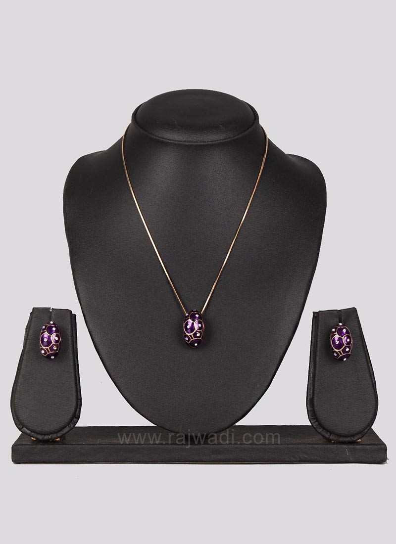 Casual Brass Pendant Set with Earrings