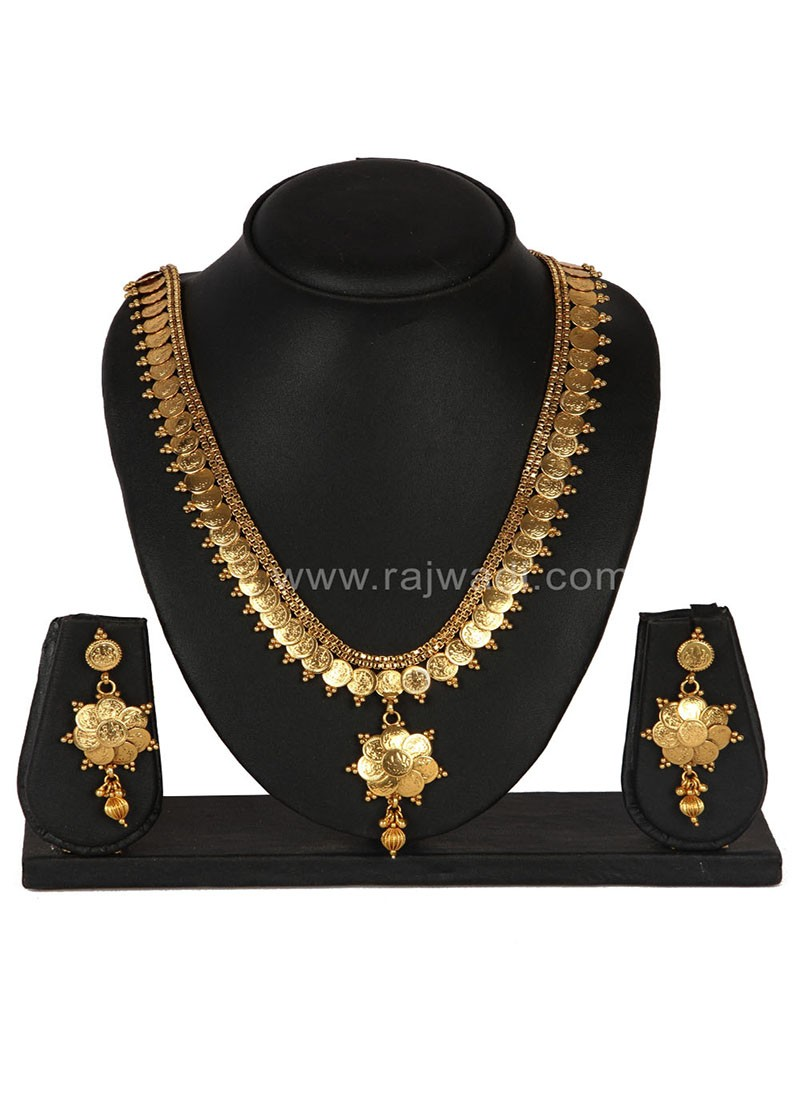 Charming Golden Necklace Set