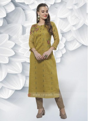 Cotton Silk Kurti In Mehndi Green