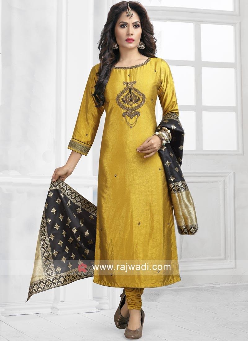 Crepe Silk Embroidered Salwar Kameez