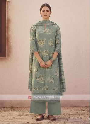 Dola silk suit in grey color