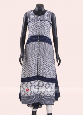 Double Layered Sleeveless Kurti