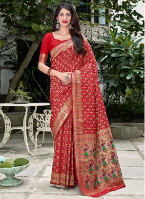Eye-Catchy Weaving Silk Red Traditional Saree