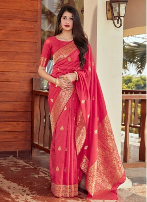 Flattering Woven Traditional Saree