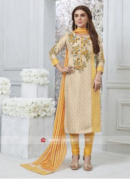 Flower Embroidered Salwar Kameez