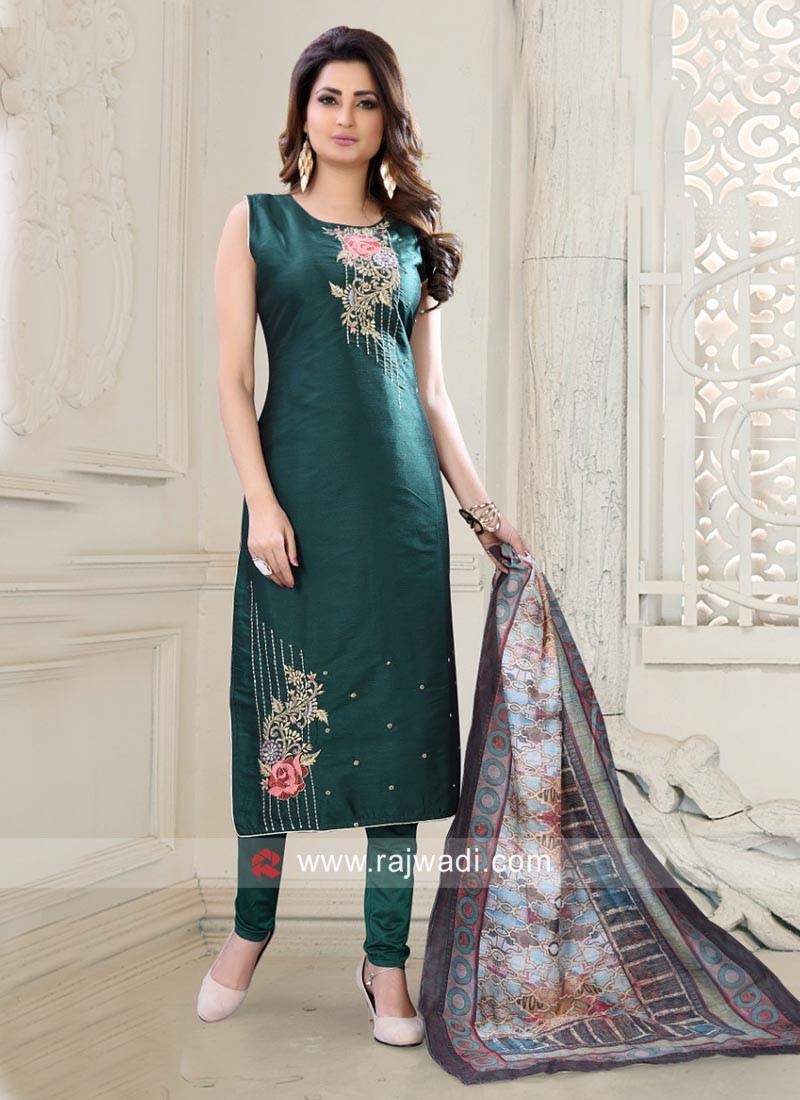 Flower Embroidered Salwar Suit in Bottle Green