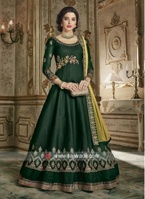 Giselli Monteiro in Forest Green Eid Anarkali Suit