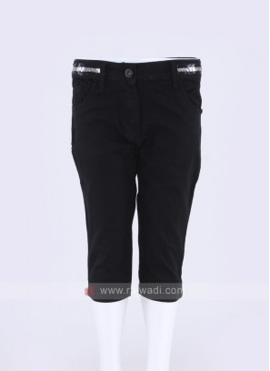 Girls Black Solid Denim Capris