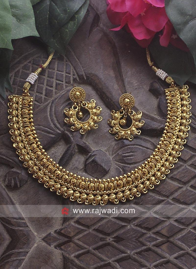 Golden Choker Necklace Set
