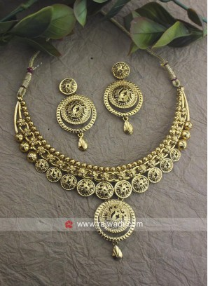 Golden Traditional Necklace Set