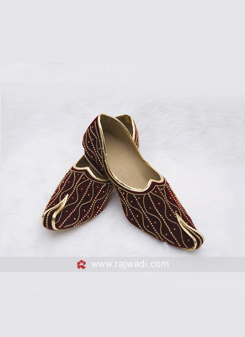 Groom Velvet Mojari in Maroon
