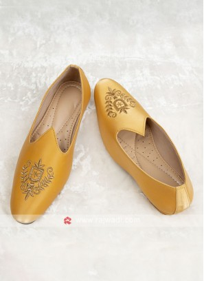 Grooms Leather Mojari In Gold Color