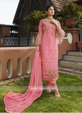 Kritika Kamra in Pretty Pink Trouser Suit