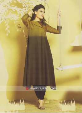 Layered Plastic Mirror Work Kurti
