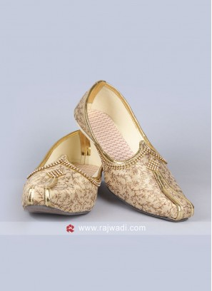 Golden Cream Color Mojari