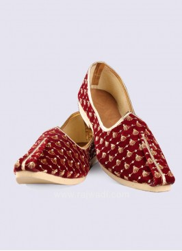 Maroon Color Zari Work Mojari