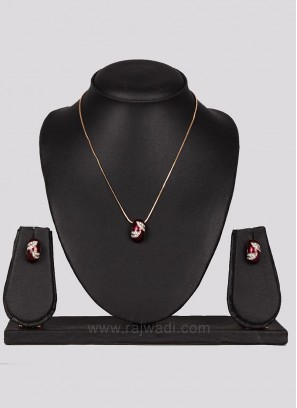 Maroon Pendant with Golden Chain with Earrings
