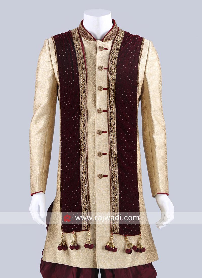Maroon Velvet Dupatta With Stylish Latkan