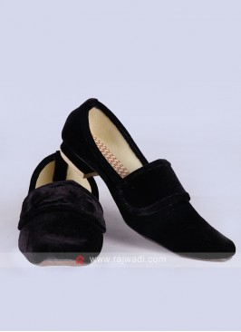 Mens Black Velvet Mojari