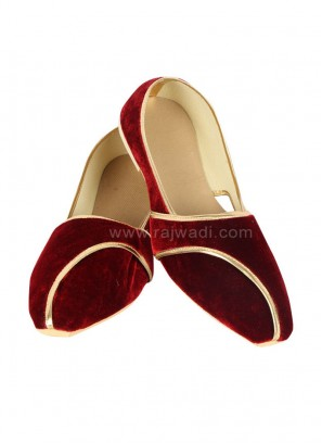 Mojari For Men In Maroon