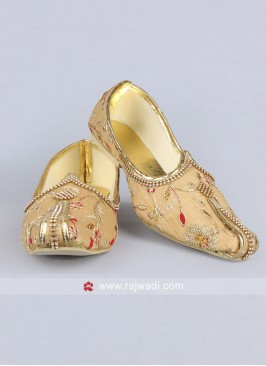 Golden Flower Work Mojari For Men