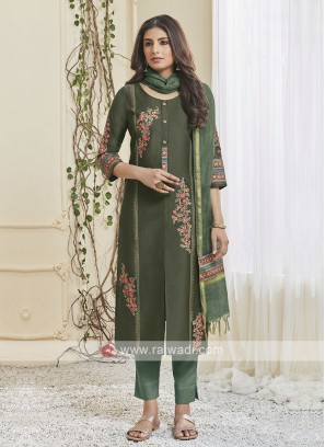 Shagufta Pant Salwar Suit In Green
