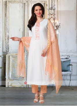 Pant Style Suit In Off White & Peach