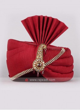 Plain Red Color Wedding Safa