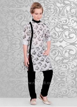 Printed Kurta With Stylish Side Button
