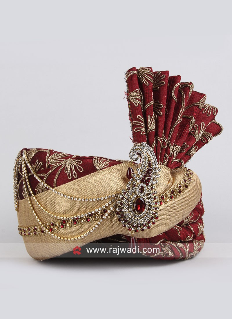 Red and Golden Color Safa