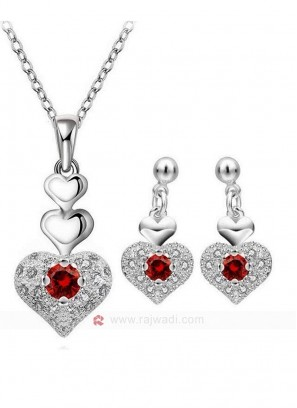 Red Heart Entangled Pendant Set